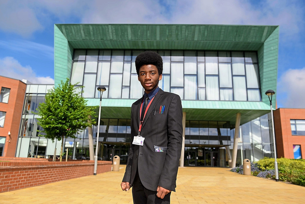 BRILLIANT YOUNG ZIMBA FACES UK DEPORTATION