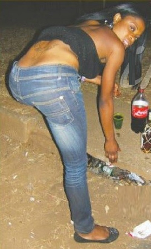 MASVINGO MAN UNDRESSED BY FOUR H00KERS