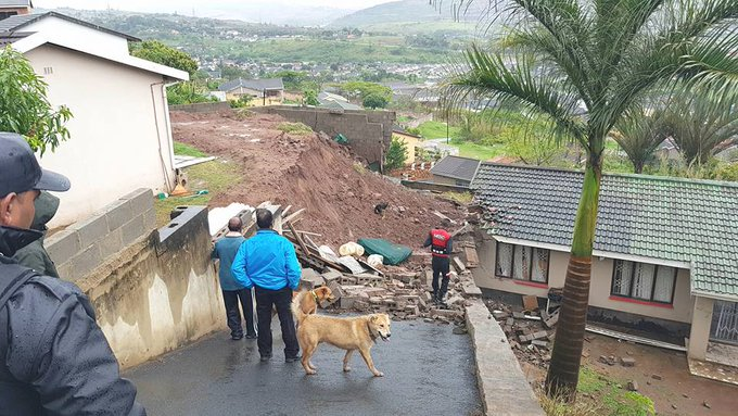 PICTURES :KWAZULU-NATAL HIT BY FLOODS