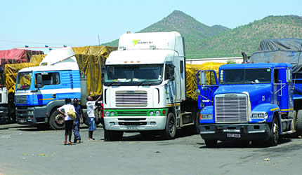 HAULAGE TRUCKERS BLOCK BEITBRIDGE BORDER POST IN DEMO