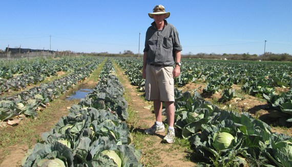 EVICTED WHITE FARMER TO GET FARM BACK AFTER LAND GRAB BY MUGABE ALLY