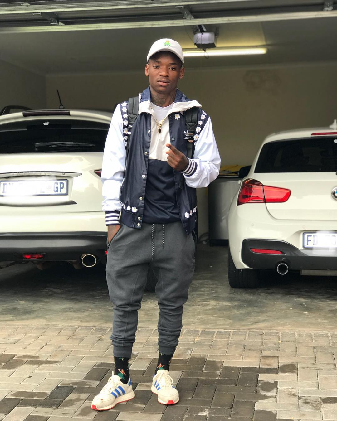 KHAMA SIGNS WITH NEW AGENT