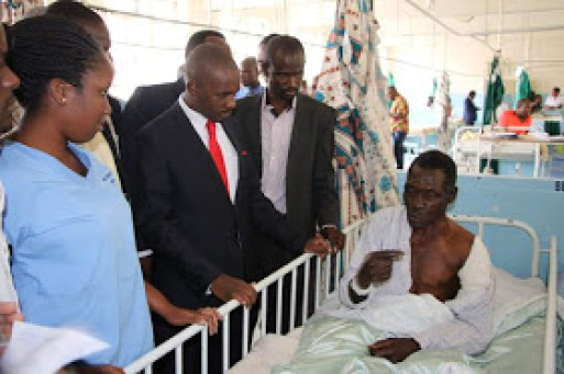 CHAMISA VISITS HARARE HOSPITAL : PICTURES