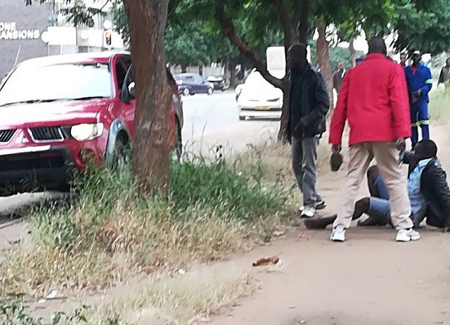 POLICE, ROBBERS CHASE AT HIGHLANDERS CLUBHOUSE ENDS IN GUNFIRE