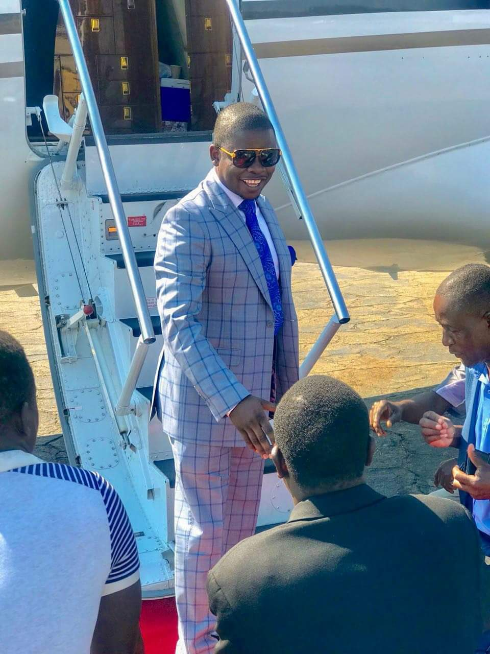 PROPHET BUSHIRI HOLIDAY IN ZIMBABWE : PICTURES