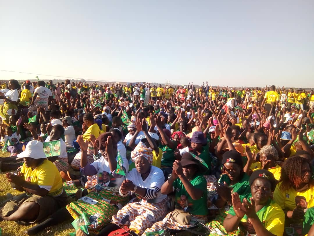 CHIWENGA TELLS SUPPORTERS : DON'T PAY RATES