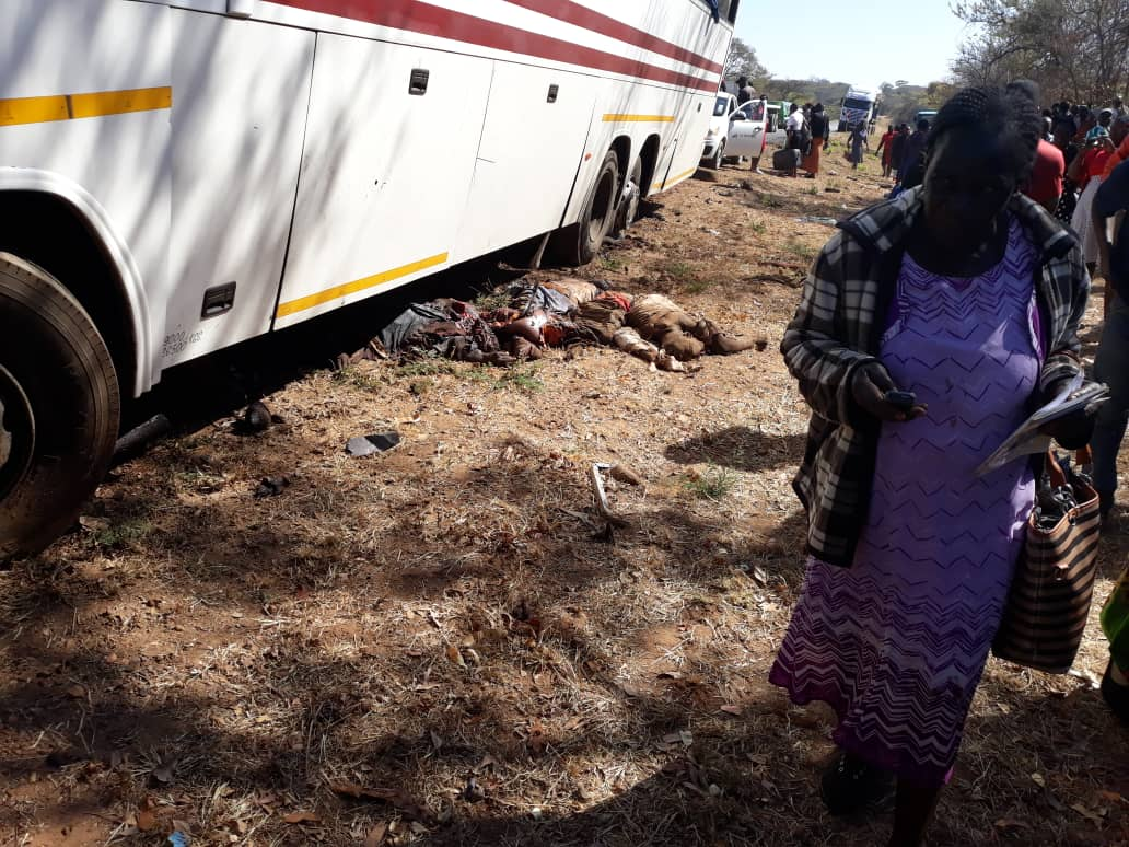 WHATSAPP UPDATE : DEADLY ACCIDENT NEAR KADOMA TOLLGATE