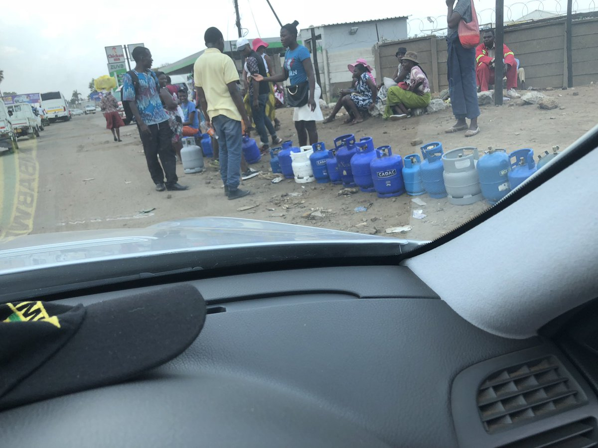 Zimbos Stuck In Six To Six Queue As Gas Shortage Strikes