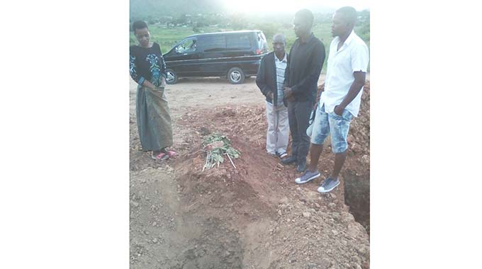 Grave dug up at night: Deceased's family Left shell-shocked