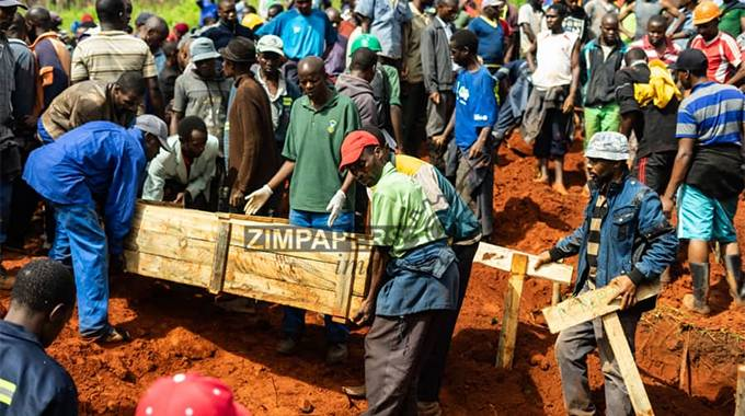 'No mass burials in Chimanimani'