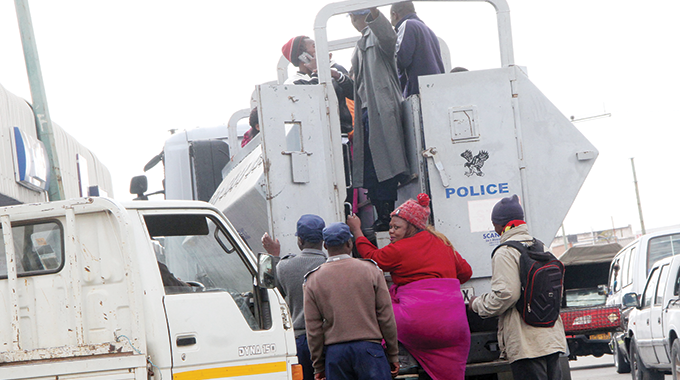 Scores of 'Illegal Forex dealers' arrested in police operation