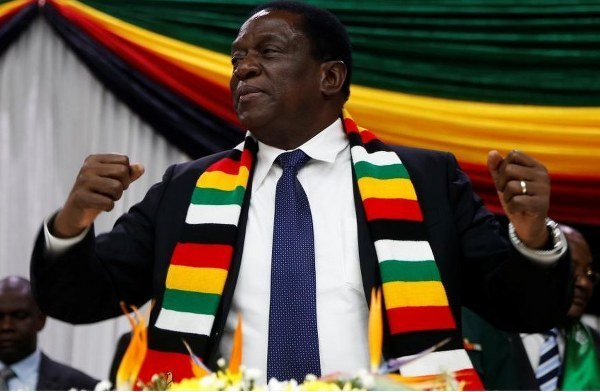 President Emmerson Mnangagwa had a good time over the weekend, celebrating the wedding of his son Emmerson Jnr. The President took the dance floor and showed off his famous, 'Crocodile Shuffle' dance moves.