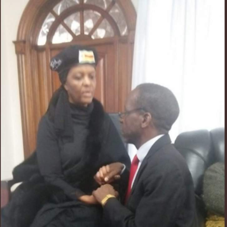 Madhuku's controversial picture with Grace goes viral