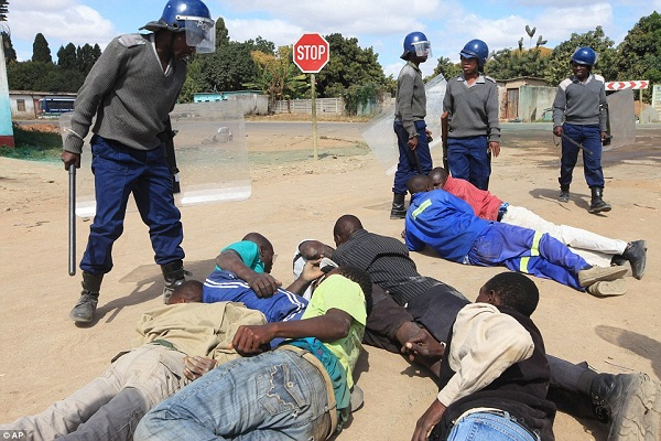 Police And Soldiers Beat Citizens For Allegedly Defying Lockdown