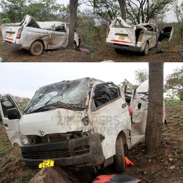 kombi veers off the road and rams onto a tree along Karoi-Binga road