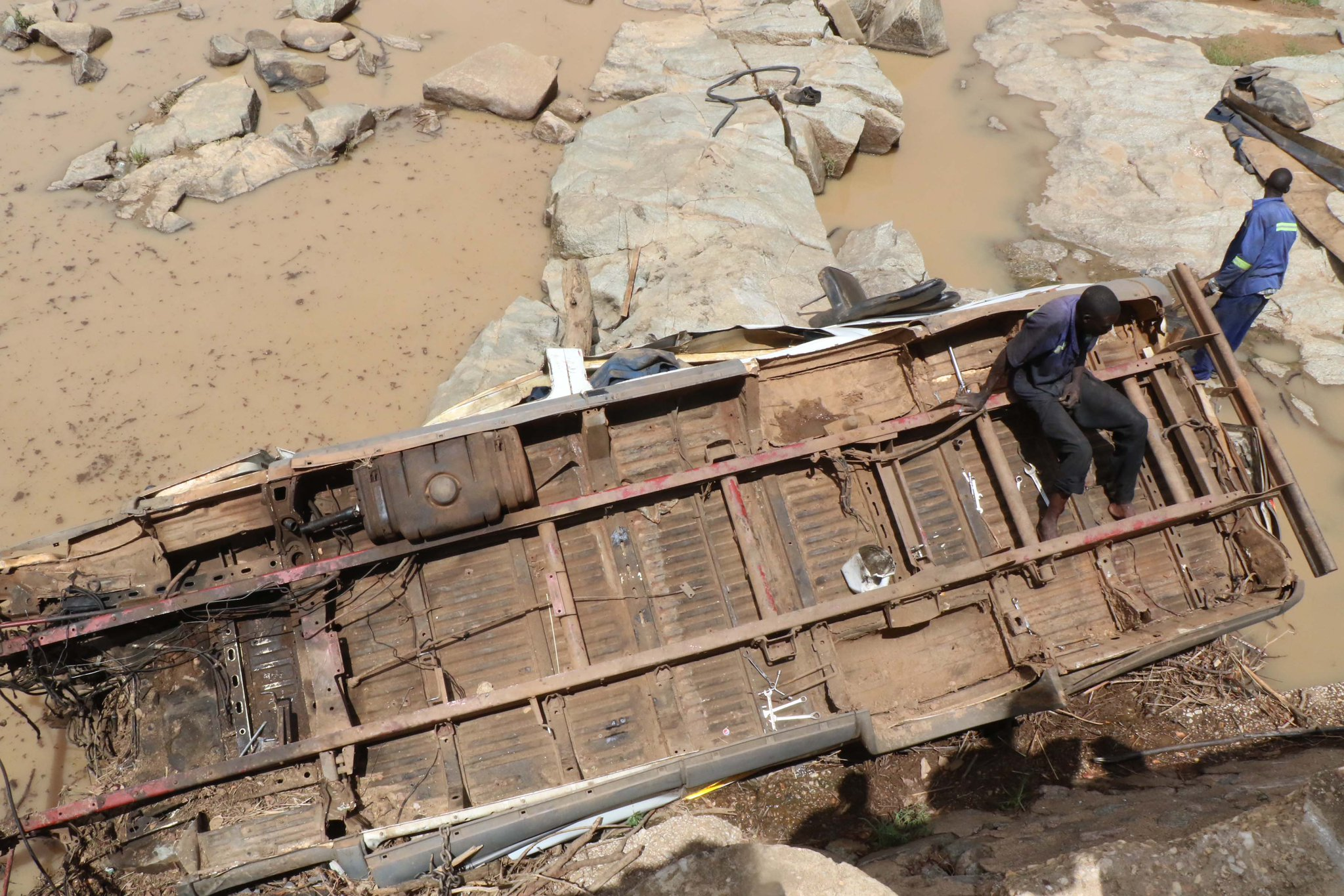 16 Survive As Kombi plunges into river