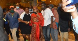 Khupe goes Bezek after Douglas Mwonzora is elected MDC-T president at Harare Congress