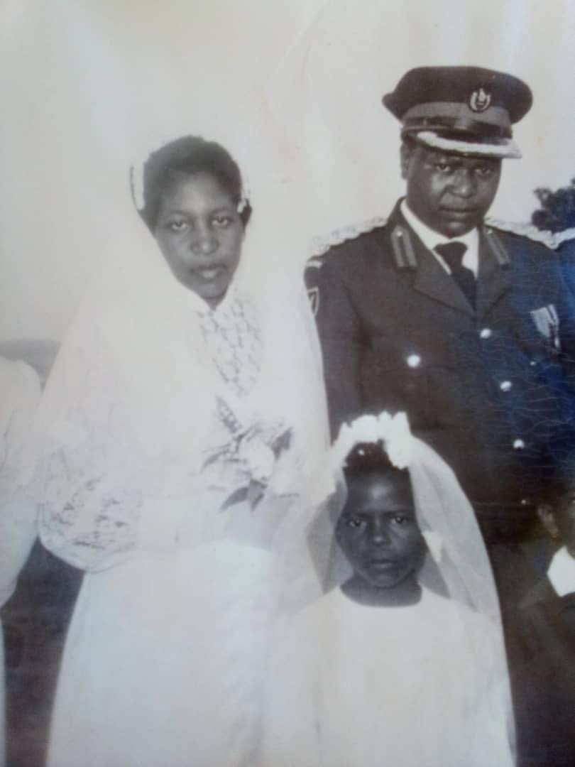 Chiwenga's wedding pictures with first wife goes viral!