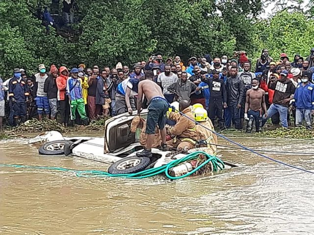 Two retrieved in Gweru Accident, Four Still Missing